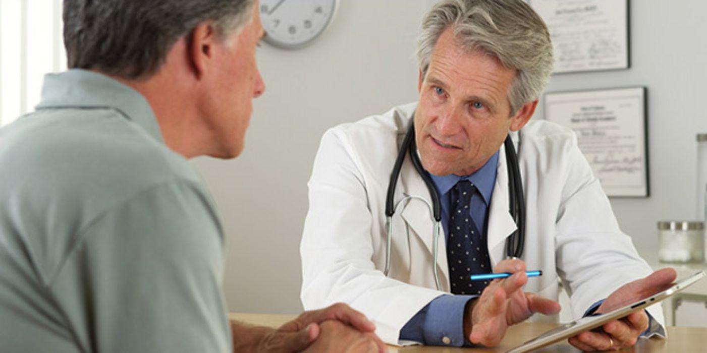 Wie lässt sich Prostatakrebs am besten behandeln? | aponet.de
