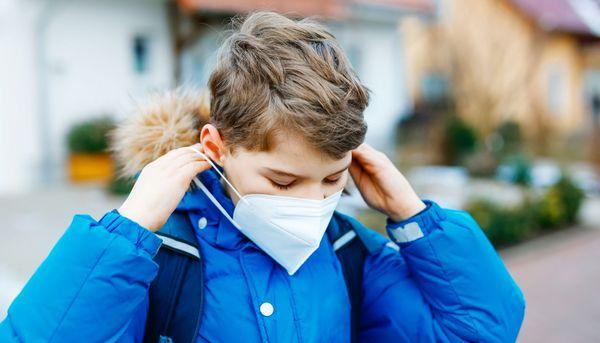 Luftfeuchtigkeit unter Maske schützt die Atemwege