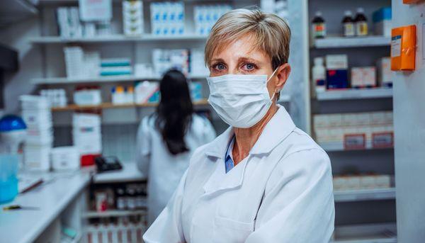 Corona-Impfung: Nebenwirkungen in der Apotheke melden