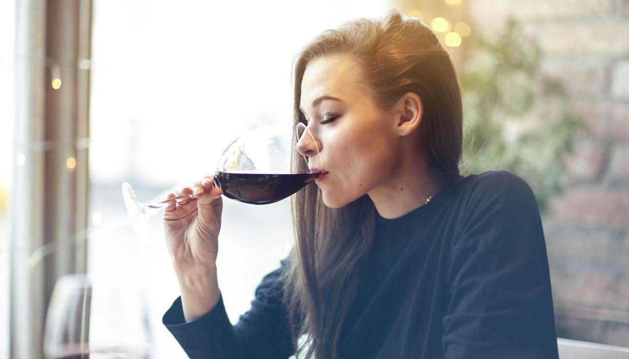 Frauen alkohol trinken wenn Alkoholismus erkennen: