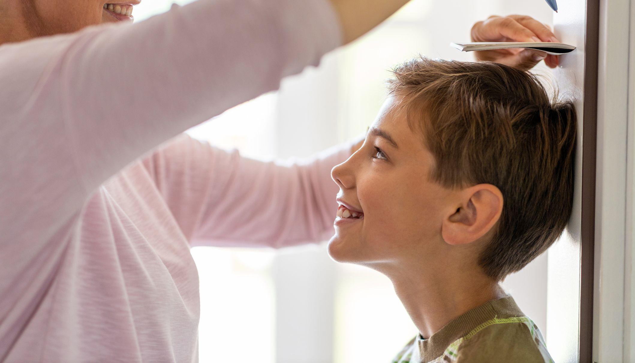 Stiefmama Reitet Ständer Ihres Sohnes