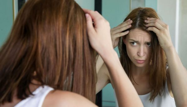 Warum Stress Haarausfall verursacht