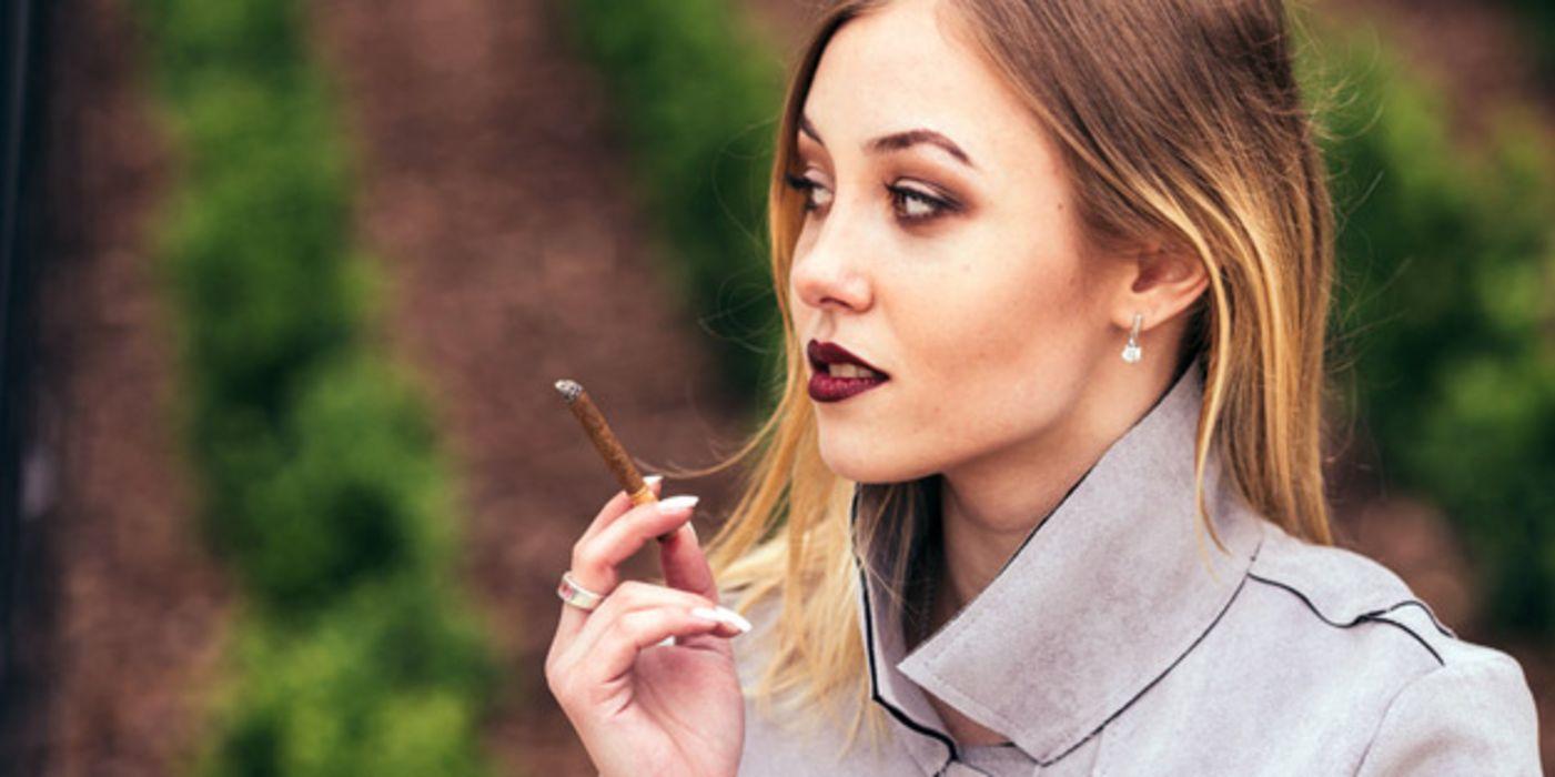 Zigaretten Sex rauchen Frauen Zigaretten Sex