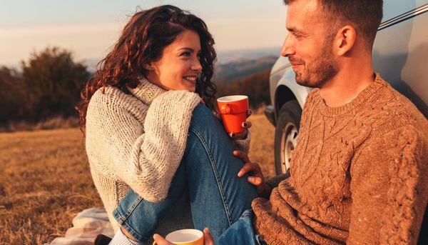 Testosteron lässt Männer die Partnerin wechseln und Frauen masturbieren