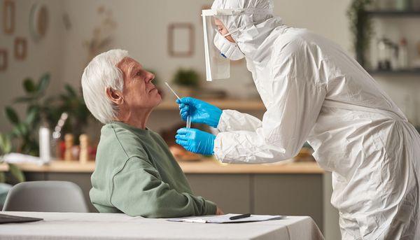 Senioren zeigen ungewöhnliche Symptome bei Covid-19