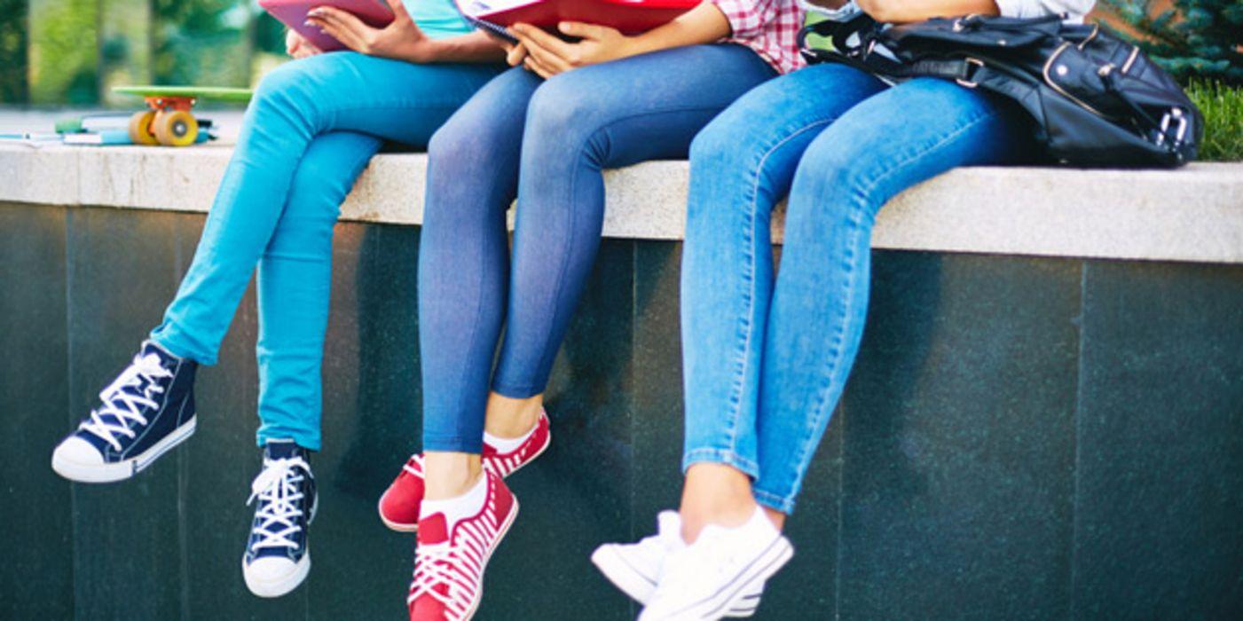 Skinny Jeans: zu enge Hosen führen zu Nervenschäden