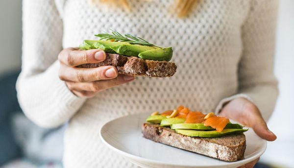 Avocados wirken sich positiv auf die Körperfett-Verteilung aus
